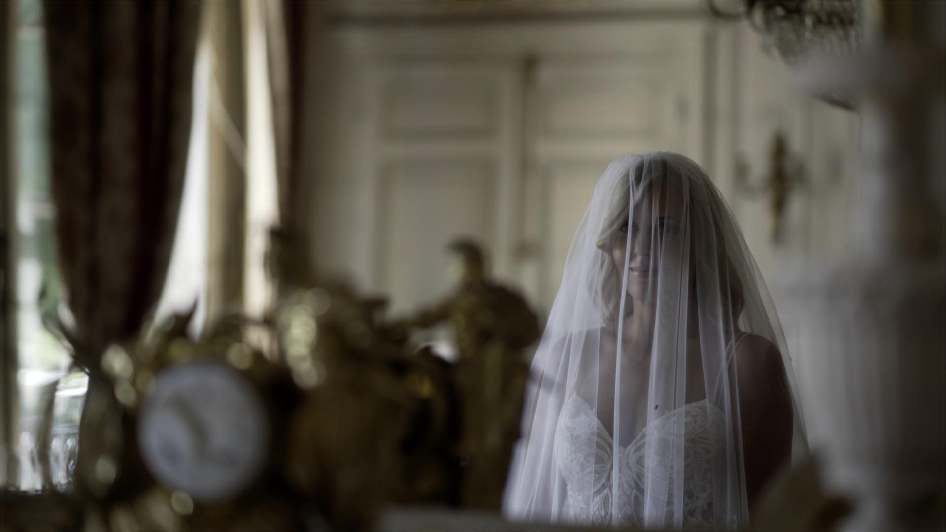 Chateau de Varennes Wedding by Philip White