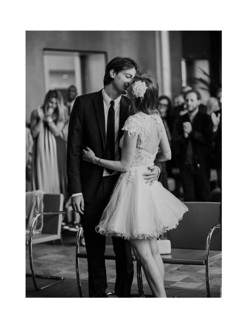 wedding videographer Philip White captures a couple during their ceremony in Paris
